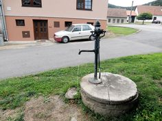 Štěpánov nad Svratkou - prastará studna na náměstí