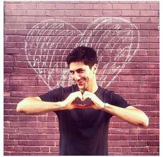 Awwee love you too Nev :') Catfish Tv, Catfish The Tv Show, Nev Schulman, Tv Shows, Hearts, Love You, Te Amo, Je T'aime, I Love You