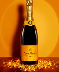 My fave champagne of all time! (This and their rose) : Champagne Veuve Clicquot: Cuvée Brut Carte Jaune - Veuve Clicquot | Veuve Clicquot