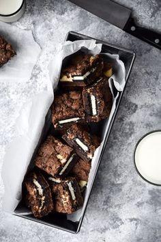 Kekse Frischkäsekuchen Brownie Bars cookies and cream cookies christmas cookies easy cookies keto cookies recipes easy Cheesecake Brownie Bars, Cookies And Cream Cheesecake, Oreo Brownies, Cream Cookies, Brownie Bites, Chocolate Cheesecake, Oreos, Brownie Recipes, Cookie Recipes