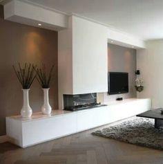 Woonkamer meubel voor de gashaard en tv www.derkskeukenmontage.nl