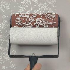 Si quieres renovar tus paredes de una forma original y diferente, te traemos la opción de rodillos con texturas. Te lo contamos en este post.