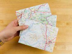 DIY Anleitung: Umschläge aus Karten // diy tutorial: how to turn maps into envelopes via DaWanda.com