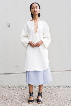 See the complete Nomia Spring 2016 Ready-to-Wear collection.