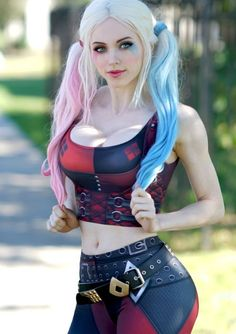 Beautiful Harley Quinn (Injustice cosplay by amazing . Cosplay Anime, Comic Con Cosplay, Cosplay Girls, Cosplay Jelmezek, Amazing Cosplay, Best Cosplay, Harley Quinn Cosplay, Comics Girls, Joker And Harley