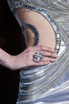 +++ Atelier Versace + Spring / Summer  2014 +++   #Versace #DonatellaVersace #AtelierVersace #fashionweek #runway #moda #fashion #mode #ファッション #时尚 #유행 #موضة  @Versace_official @ISAZAalejandro