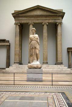 Berlin, Pergamonmuseum, Proanos des Zeus Sosipolis Tempels aus Magnesia (proanos of the Zeus Sosipolis temple of Magnesia)