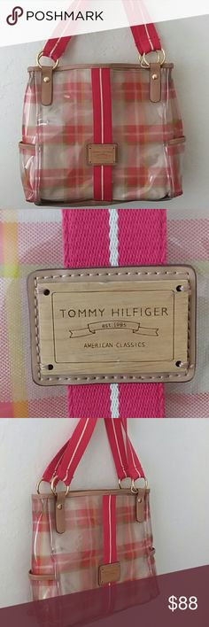 💕REALLY. PRETTY💕TOMMY HILFIGER BAG. REALLY PRETTY. GOOD PRELOVED CONDITION. CLEAN INSIDE.. CLEAR PLASTIC PLAID WITH REMOVABLE BEIGE INSERT.. MEASURES APPR 11X11X3  BUNDLE AND SAVE EXTRA! Tommy Hilfiger Bags