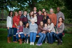 Fall family photography, what to wear for large family photos.