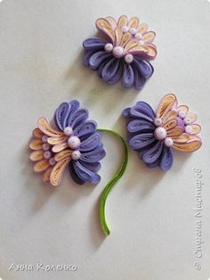 Quilling panting For we need such tools: 1 Template (line) with holes for the dissolution of the rolls regular lineup Materials: Paper Quilling for t Paper Quilling Cards, Paper Quilling Tutorial, Paper Quilling Flowers, Paper Quilling Patterns, Paper Quilling Jewelry, Quilled Paper Art, Quilling Craft, Quilling Photo Frames, Quilling Christmas
