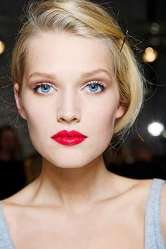 pretty pink makeup ideas - Pink Eyes and Red Lips