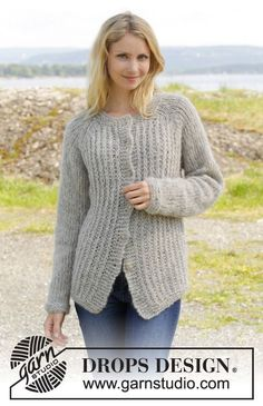 This jacket is all you need this winter - modern and warm! Free pattern by #DROPSDesign #knitting