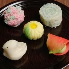 """'Wagashi"""" is a traditional Japanese confectionery. Japanese Candy, Japanese Sweets, Japanese Food Dishes, Sushi, Japanese Wagashi, Types Of Cakes, Cute Desserts, Dessert Bread, Edible Art"""