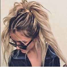 Cool Hairstyles for Long Hair Are you in search for inspiration for your next long hair goals? Take a look and get inspired by these 40 best cool hairstyles for long hair! Concert Hairstyles, Box Braids Hairstyles, Cool Hairstyles, Rocker Hairstyles, Beautiful Hairstyles, Hairstyles Haircuts, Summer Hairstyles, Long Thin Hair, Braids For Long Hair