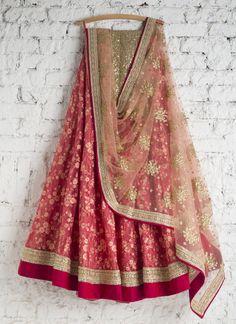 Lehenga Choli: Best Indian Lengha and Ghagra Choli Online Indian Dresses, Indian Outfits, Indian Clothes, Eid Outfits, Eid Dresses, Desi Clothes, Bridal Dresses, Indian Attire, Indian Wear