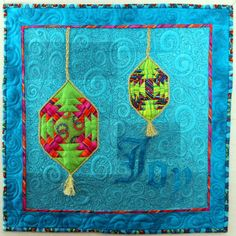 """""""Joy"""" by Debbie Silva.  3rd place, snowball challenge. Project Quilting (2016)."""