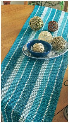 EviaEdiciones.com - Suplementos                                                                                                                                                      Más Card Weaving, Loom Weaving, Types Of Weaving, Textiles, Weaving Projects, Weaving Patterns, Arts And Crafts, Rugs, Knitting