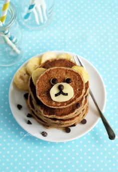 Wholemeal Banana Chocolate Chip Pancakes - fluffy moist tasty and yet nutritious too! Pancake Recipe For Kids, Pancake Recipes, Brunch Recipes, Banana Chocolate Chip Pancakes, How To Make Pancakes, Homemade Pancakes, Tea Time Snacks, Toddler Meals, Easy Snacks