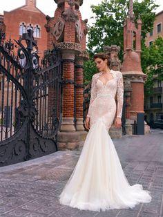 "Barcelona-""Street Couture"" 2017 Mermaid Wedding, Lace Wedding, Wedding Dresses, Barcelona Street, Couture, Fashion, Bride Dresses, Haute Couture, Moda"