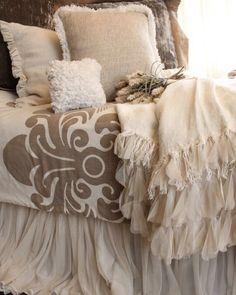 Lovely cream bedding @haleyscottage   Double tab for more images.  #fortheloveoflinen#bedlinen #tellmemore #interior4all #linenbedding #purelinen #linen #purelinenutrition #shabbychicbedding #farmhouse #farmhousestyle #farmhousedecor  #cottagestyle #cottageliving #farmhousebedding  #rufflebedding #ruffles #ruffleswithlove #interiordecor #bedroomdecor #bedroominspiration #handmade #handmadebedding  #tailoredmade #instadaily  #creambedding #creambedroom #ivorybed #instagood #bedskirt