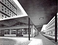 """Local comercial en la base de un """"tipo c"""", edificio de apartamentos, Nonoalco Tlatelolco, México DF 1962   Arq. Mario Pani -  Commercial space at the base of a Type C Building,Nonoalco Tlatelolco, Mexico DF 1962"""