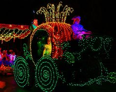 Disney - Cinderella Goes to the Ball