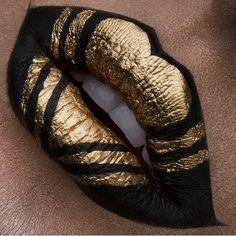 Graphic black n gold lip art
