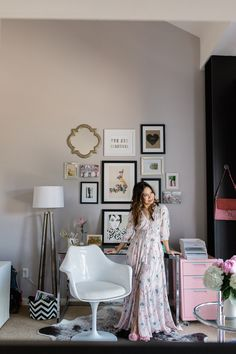 glamorous office space Read More on SMP: http://www.stylemepretty.com/living/2016/08/15/balancing-a-modern-office-space-with-the-perfect-touch-of-pink/