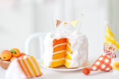 This miniature ombre cake looks good enough to eat — in very tiny bites!