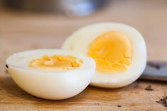 If you want to obtain results rapidly, the boiled eggs diet is the ideal one. Only several eggs are used and numerous vegetables and citric fruits are included, which comprises a balanced menu. The diet Diet Tips, Diet Recipes, Soup Recipes, Citric Fruits, Fast Metabolism Diet, Lose 20 Pounds, 5 Pounds, Week Diet, Boiled Eggs