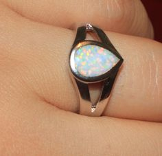 white fire opal ring Gemstone silver jewelry Sz 7 exquisite modern design B6Z