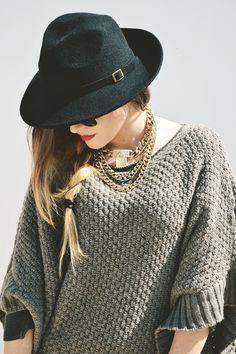EloMakeup & Fashion: BERRY VILLAGE GREY TONES