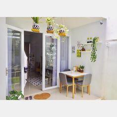 Desain Rumah Unik Tipe 45 m: Meski Mungil, Ada Indoor Garden! Grow Room Design, Home Room Design, Living Room Designs, Home Decor Trends, Home Decor Inspiration, Diy Home Decor, Diy Interior, Room Interior, Interior Design