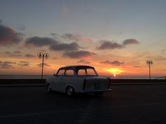drogadoraju.pl fb.com/ddrpl  Trabant 601 seaside gdynia sunrise