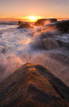 Sound of Waves  by mohamed aljaberi, via 500px