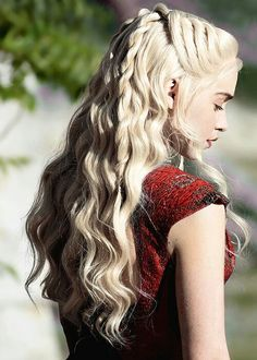 hair mine still game of thrones her hair braids got emilia clarke daenerys targaryen gotedit mine:still gotdaenerystargaryen queen of meereen fav still i want to do a close up of this also idk about these colours Hair Dos, Your Hair, Wedding Hairstyles, Cool Hairstyles, Hairstyle Ideas, Pulled Back Hairstyles, Plait Hairstyles, Fairy Hairstyles, Fantasy Hairstyles