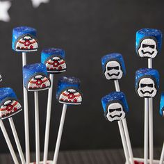 Throwing a Star Wars themed party? Here are nine different Star Wars Day projects that range from simple to complex. Successful you will be, yes.