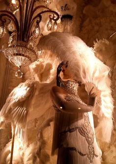 Bergdorf Goodman windows #bergdorfgoodman #feathers #vintagestyle #retrostyle