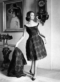 1961 lace dress