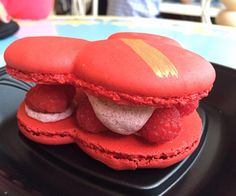 Sweet heaven this is a Mickey shaped raspberry macaron not only that it looks fantastic it also tastes great! Perfect snack and perfect gift #disneyland #disney #macarons #macaron #mickey #shape #raspberry #golden #sweet #dessert #gift #california #cali #anaheim #photooftheday #goodtimes #instagood #goodlife #foodie #foodlover #foodstagram #magic #mouse #photospot #dreamitdoit by travelblondy