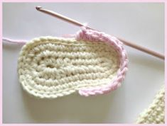 This Lovely Life: Crochet Baby Sandals