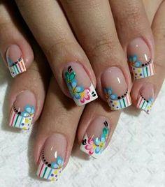 french nails sparkle Tips French Nails, French Acrylic Nails, Spring Nail Art, Spring Nails, Summer Nails, Fingernail Designs, New Nail Designs, Floral Designs, Cute Nails