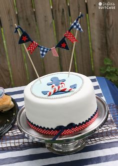 My Sister's Suitcase: Nautical Theme Baby Shower Ideas                                                                                                                                                                                 Más