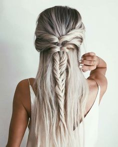 12 Chic Hairstyles for Long Straight Hair - My Hair - Hair Designs Chic Hairstyles, Pretty Hairstyles, Hairstyle Ideas, Hairstyles 2018, Festival Hairstyles, Unique Hairstyles, Bridal Hairstyle, Bridesmaid Hairstyles, Teenage Hairstyles