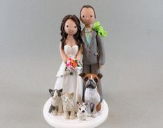 Para aquellas parejas que disfrutan reir de la vida... ¿Estás organizando tu boda y quieres un pastel original? El detalle puede estar en los muñecos de torta que elijas. Puede ser clásico, puede ser abstracto... o puede ser original y divertido. ¡Mira estas opciones! 1. Tal como son