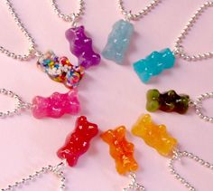 looks so good enough to eat but not advisable! Kawaiidesune has more edible looking cake jewellery!