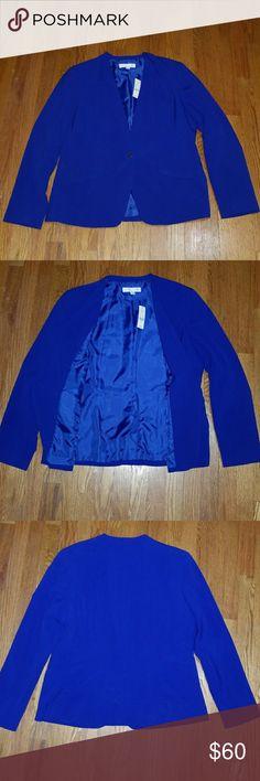🎉🎊NWT Blue Blazer 🎉🎊 🚨BRAND NEW Beautiful New York & Co Blazer. 💖 Has never been worn! Tag still attached. Purchased at full price years ago for a previous job and has been sitting in my closet since. Front pockets are for decor only, not really pockets.  Extra button still attached. Let me know if you have any questions! Happy Poshing! 🎈🎈🎈 New York & Company Jackets & Coats Blazers