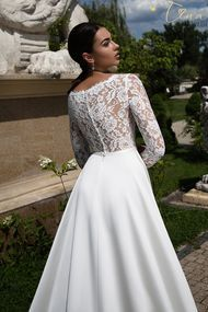 wedding dress with laced back from Tina Valerdi