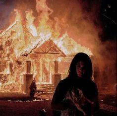 emo depression burning house fire flames dark orange home cat pet scary horror coffee milk tea cream beige aesthetic sof Grunge Goth, Grunge Style, Soft Grunge, Orange Aesthetic, Beige Aesthetic, Aesthetic Grunge, Aesthetic Pastel, Aesthetic Collage, Aesthetic Vintage