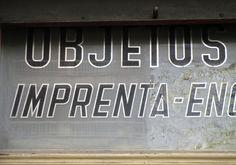 Rètol botiga, plaça Lesseps. Vila de Gràcia, Barcelona. foto miquel